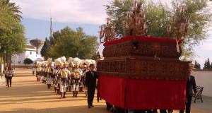 IMG 20131019 172358 300x160 - Humildad y Soledad luce su imperio en el Via-Crucis Magno de la Rambla